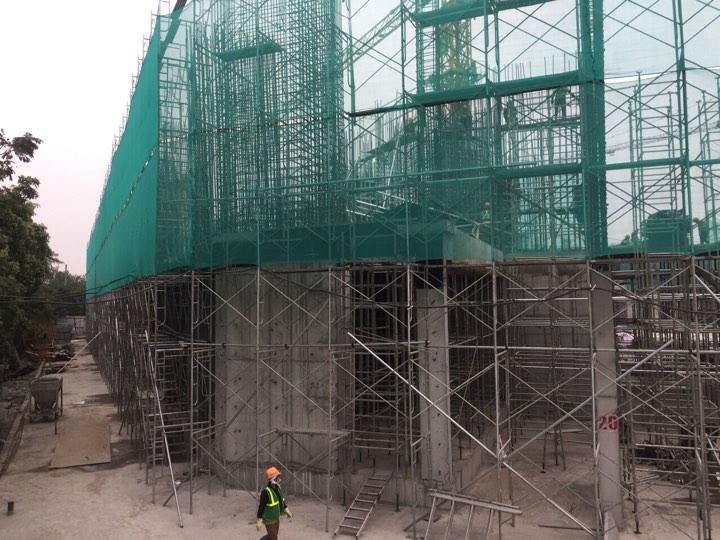 Tòa E4 CT8 Mỹ Đình đang lên cột tầng 2