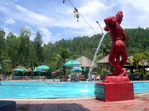 Suối khoáng nóng Tháp Bà - điểm du lịch hấp dẫn Nha Trang
