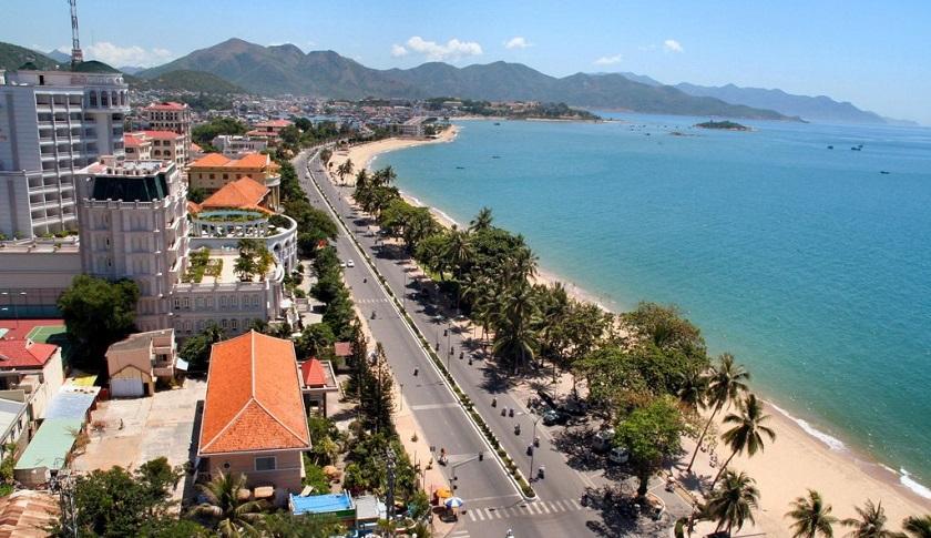 Trục đường Trần Phú đẹp nhất Nha Trang.