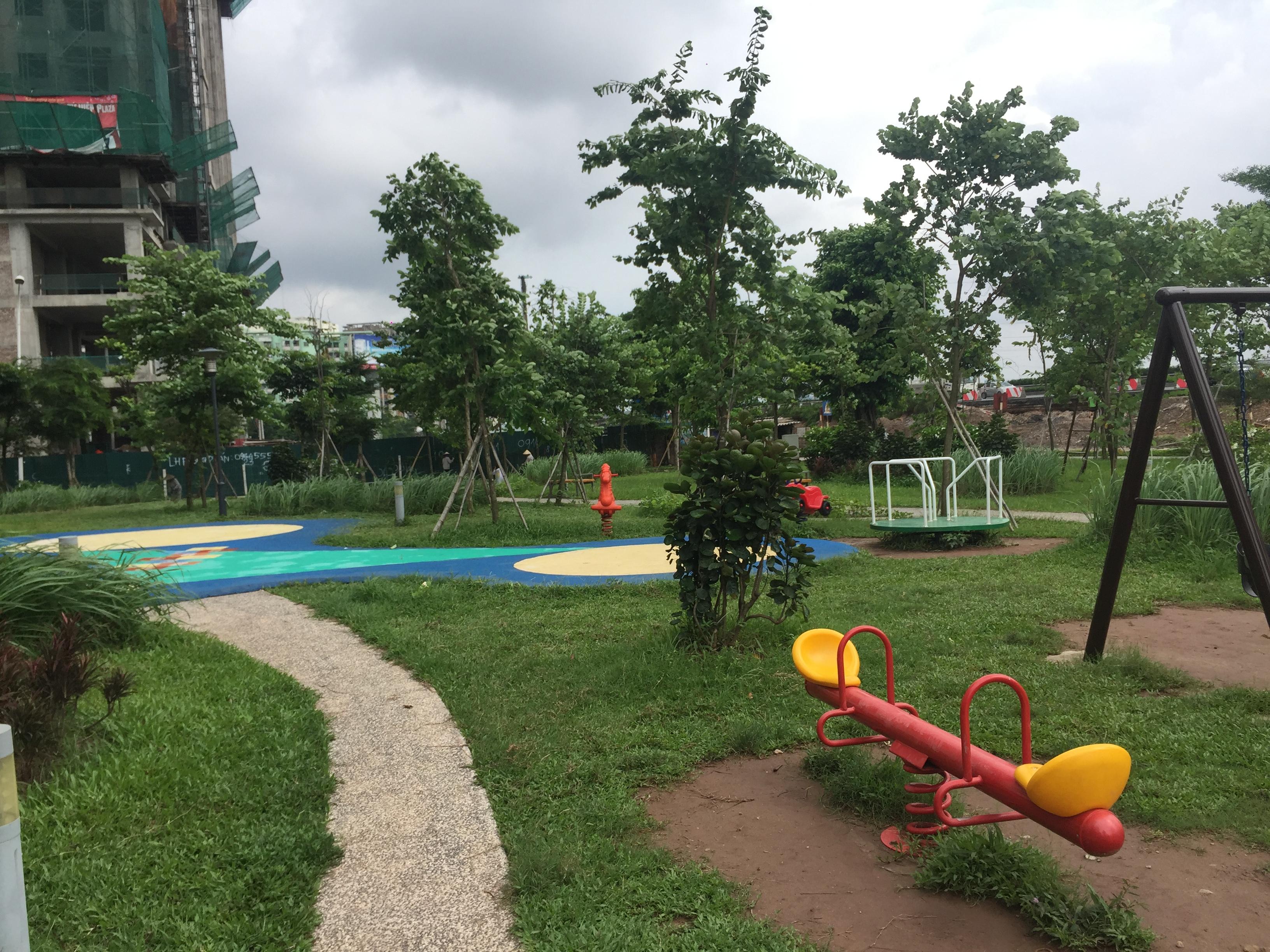 Hình ảnh tháng 7-2017 Khu vui chơi trẻ em tại mỗi tòa nhà