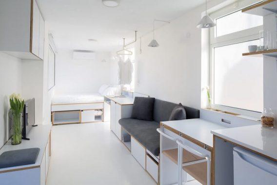 Nội thất bên trong căn hộ mang các màu sắc trung tính như trắng, xám, nâu , tạo nên những điểm nhấn nổi bật cho không gian